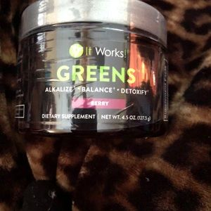 2 it works greens berry 4.5 Oz